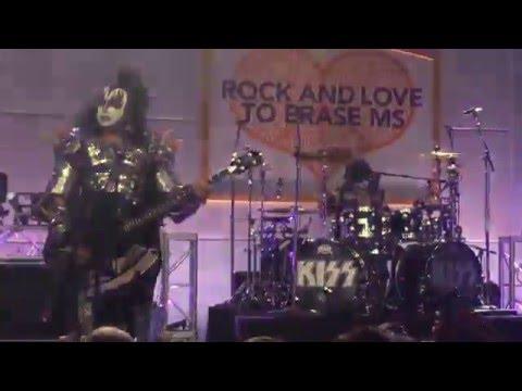 Watch Kiss Perform as Trio After Paul Stanley Tears Bicep