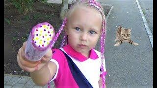 Алиса на РАЗВИВАЮЩЕМ занятии !!! Новые игрушки Алисы Мими Лиссы Entertainment for kids