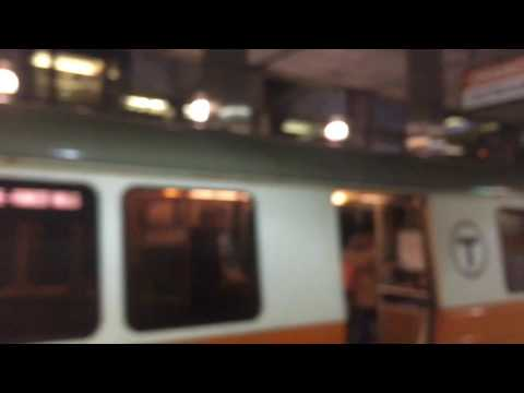 A Ride on MBTA Orange Line from State Street to North Station