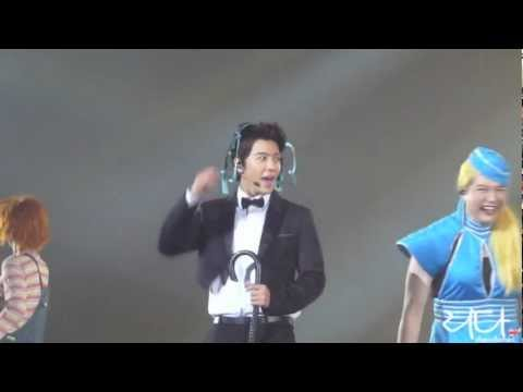 120406 Donghae with a bra on his head - SS4 Paris