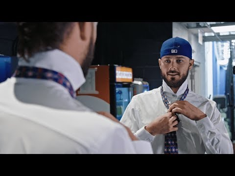 How To Tie a Tie With Kris Bryant