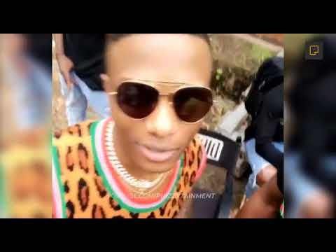Slimcase Crack Up Wizkid   As He Smoke Weed At His Video Shoot