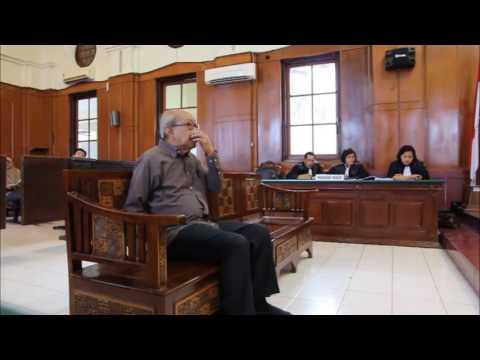 Prof. DR. J.E Sahetapy SH. MA Part I