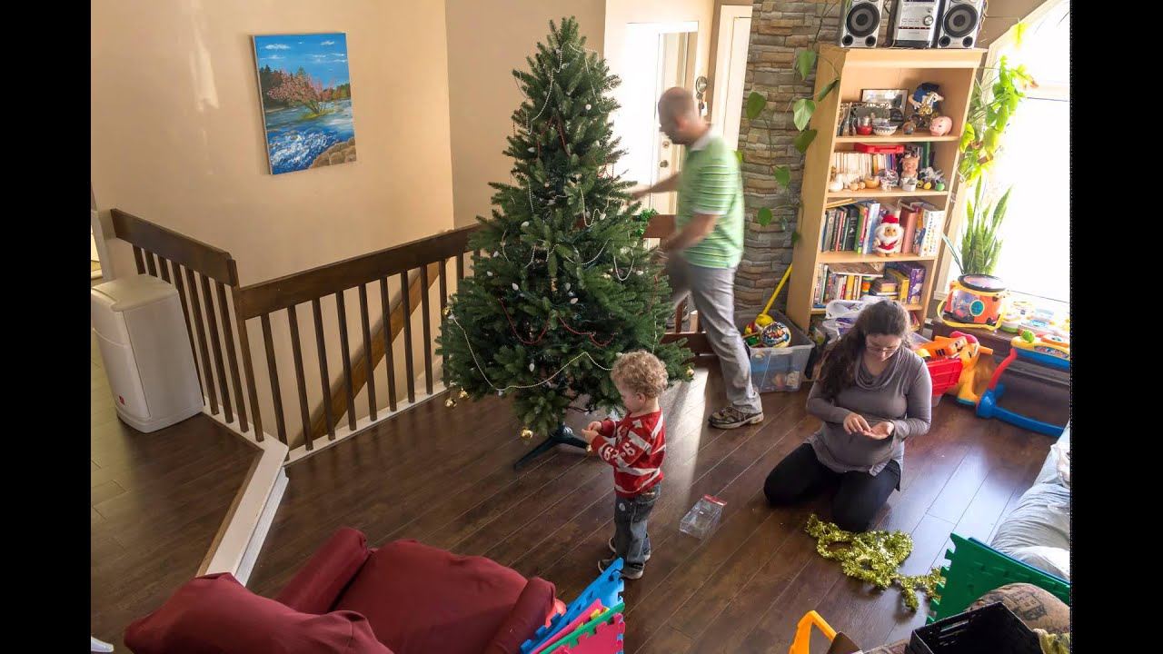 Montage Du Sapin De Noel 2014 Decorating The Christmas Tree A Timelapse Video Youtube