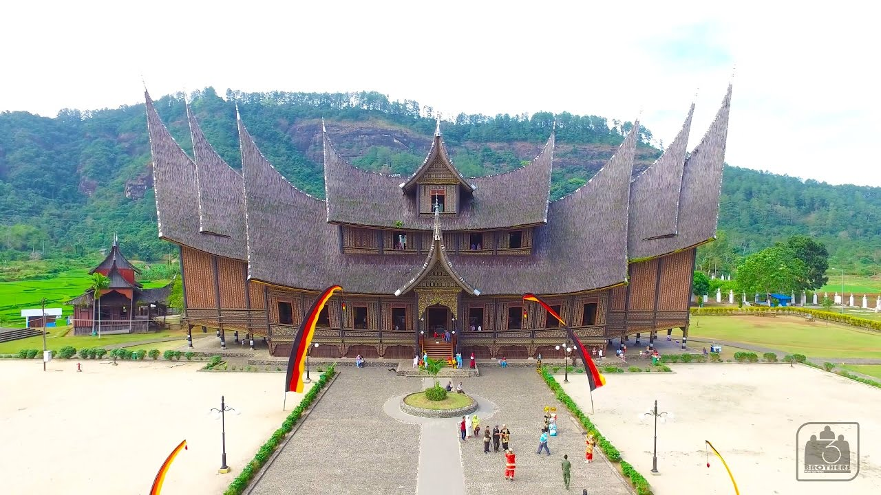 Video Aerial Istana Pagaruyung Batusangkar Sumatera Barat # Video Drone  Istano Basa