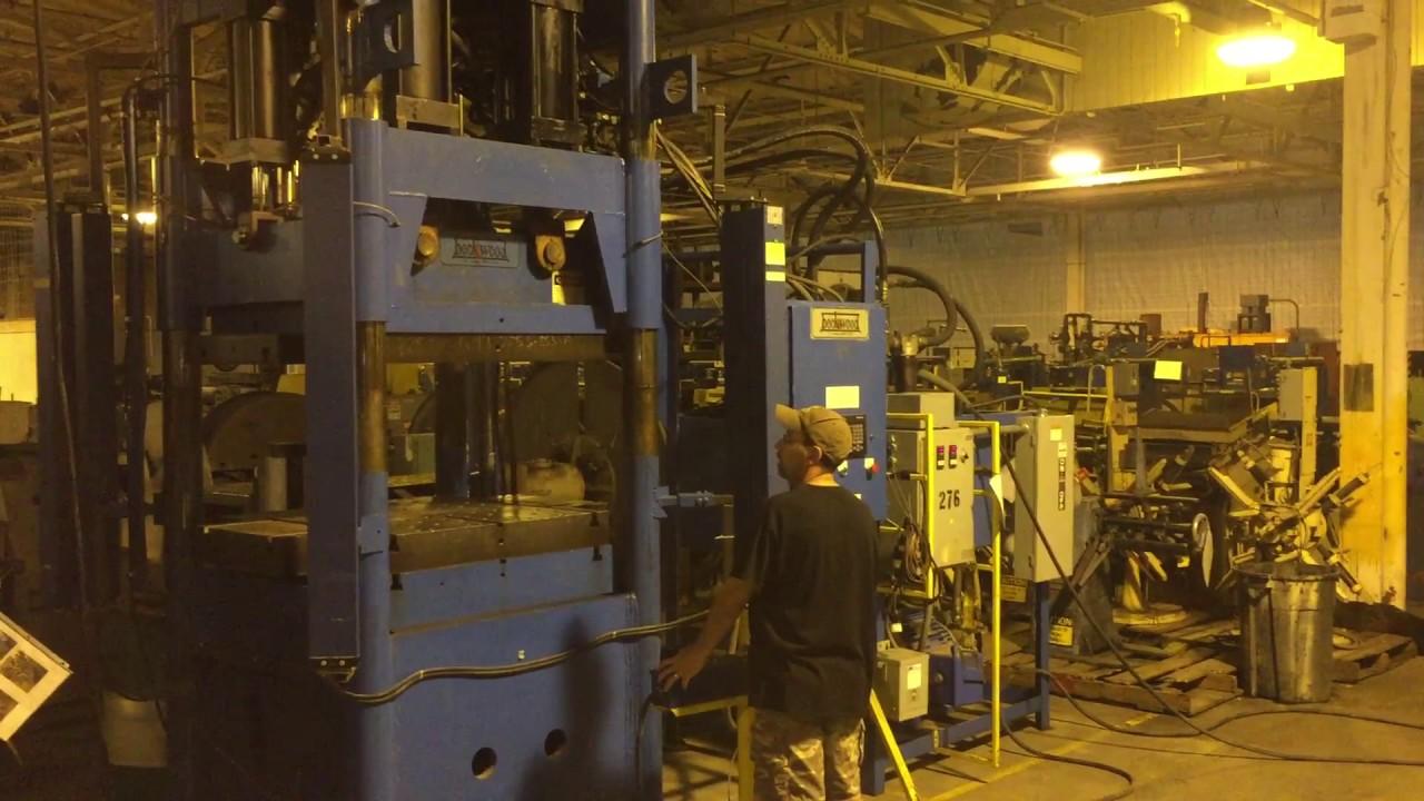 300 Ton Hydraulic Press • Beckwood Press Company