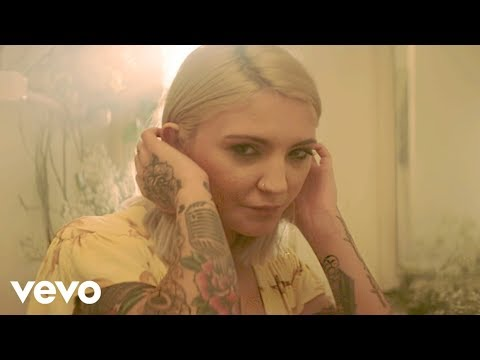 download Julia Michaels - What A Time ft. Niall Horan
