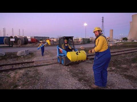 شاهد: نشطاء السلام الأخضر يقتحمون محطة نووية لتوليد الطاقة في فرنسا…  - نشر قبل 27 دقيقة