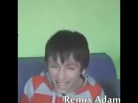 Gülen çocuk ve yaşlı adam Remix Adam