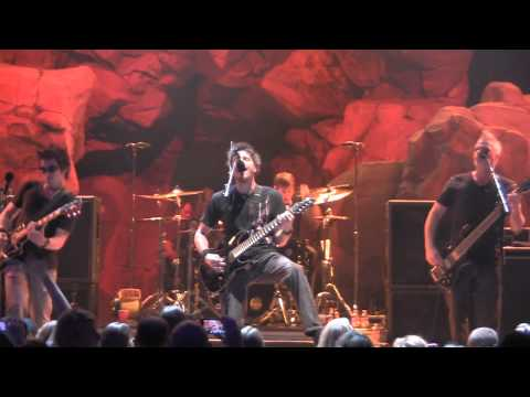 Crossfade - Colors,Live High Quality Video!