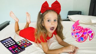 Arina аnd Kids Make Up Toys