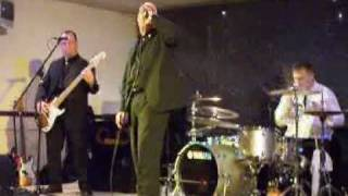 The Flying Squad @ The Beaverwood Club -  Police Car/Roxette
