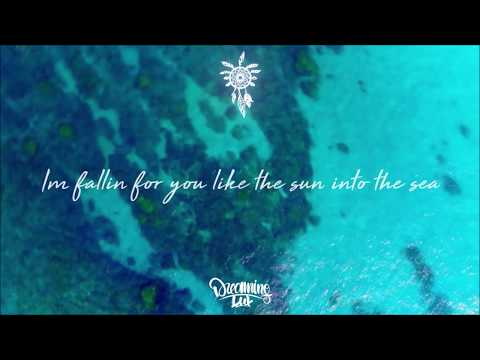 Wave Wave - Into The Sea feat HILLA