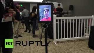 В США представили управляемый на расстоянии планшет на колесах
