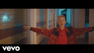 Nimmo - Dancing Makes Us Brave (Official Video) thumbnail