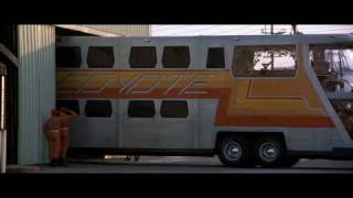 The Big Bus (1976) - First appearance - 2001 a space oddyssey music - El autobus atomico