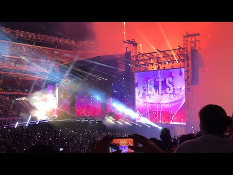 BTS WORLD TOUR LOVE YOURSELF: SPEAK YOURSELF METLIFE STADIUM DAY 2