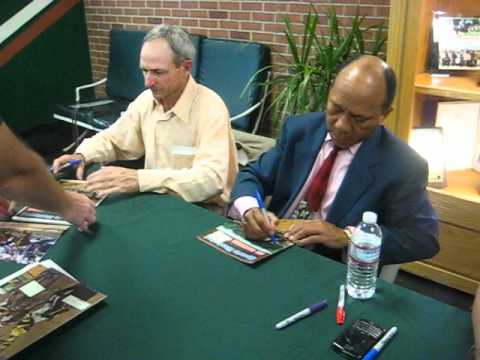 Jorge Velasquez & Steve Cauthen Sign for the SI KING  5-26-12