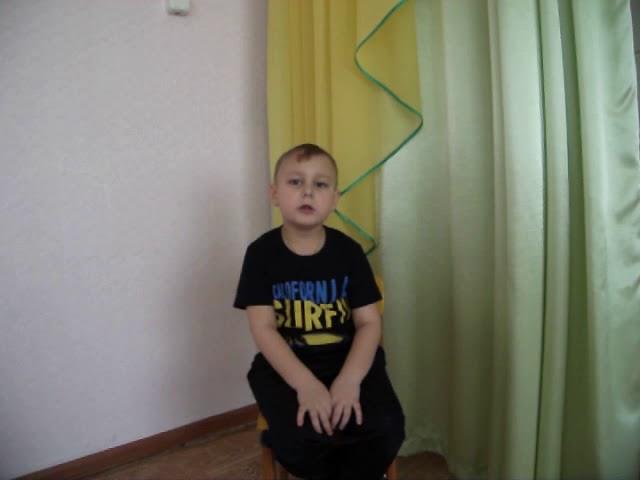 Изображение предпросмотра прочтения – ВоронковНиколай читает произведение «Мирок» М.И.Цветаевой