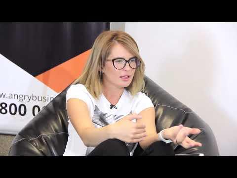 Alina Andriuță// Despre productivitate, cărți și branding personal