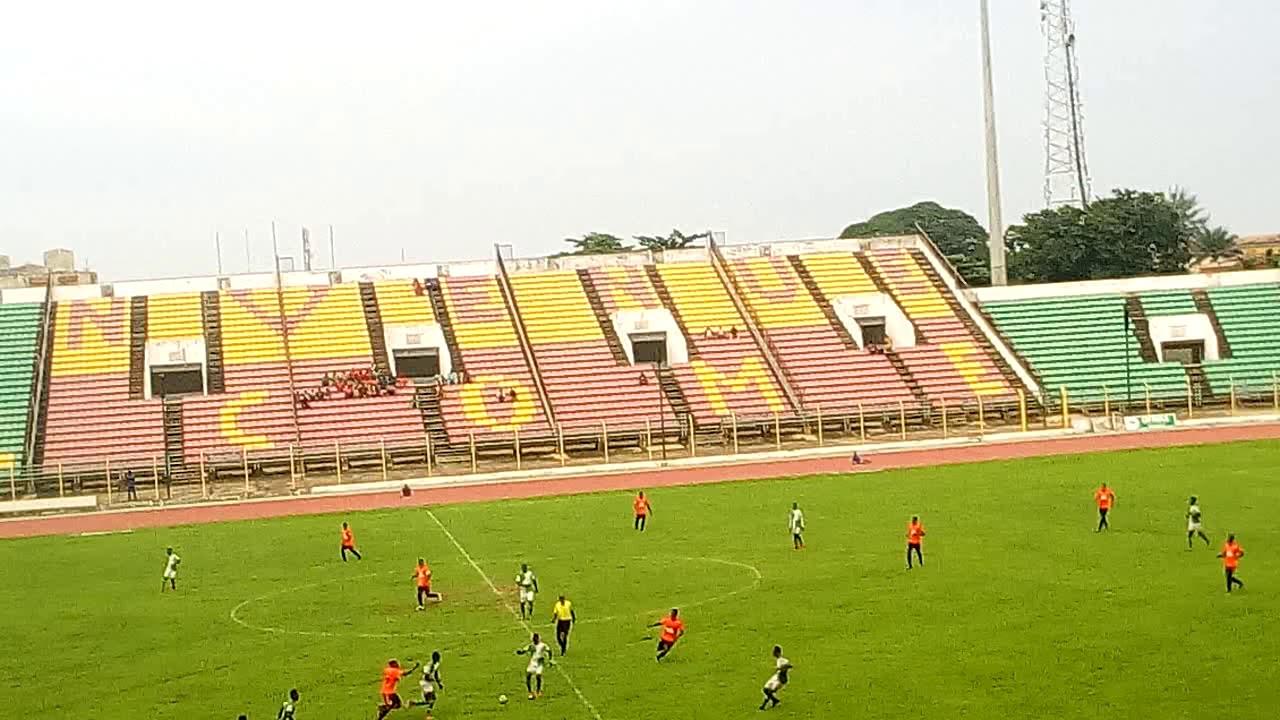 Le choc entre Dragons FC et Buffles FC. Trinité Singbo
