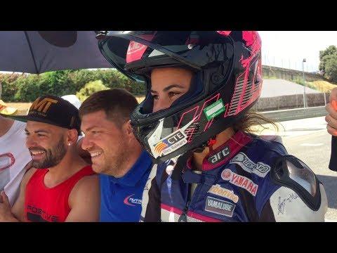 DEBUT DE NURIA LLABRES CON LA YAMAHA R6 EN TROFEO RACE 600