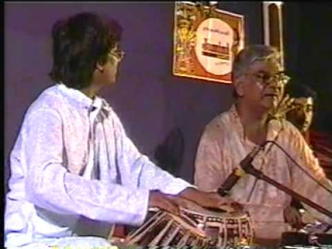 Mihir kundu accompany with Pandit Sohanlal Sharma.