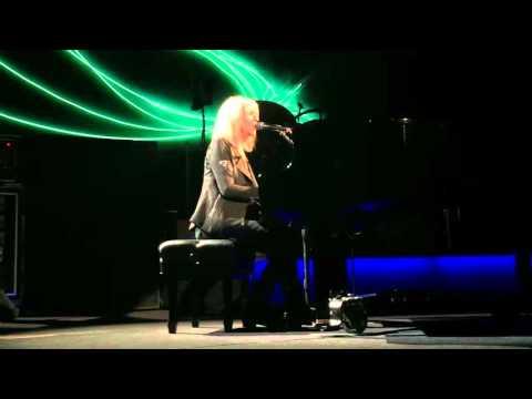 "Fleetwood Mac Christine McVie ""Songbird"" Live in Australia October 24 2015"