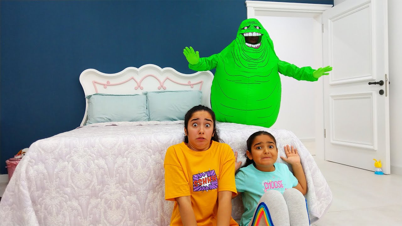 Esma and Asya Ghostbusters are playing Hide and Seek with Slimer