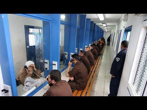 على طريقة هوليوود... ستة فلسطينيين يهربون من سجن إسرائيلي شديد الحراسة والشرطة تبدأ حملة مطاردة…