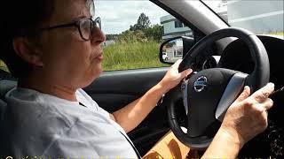 Carro automático: treino de noção de espaço, volante e pedais
