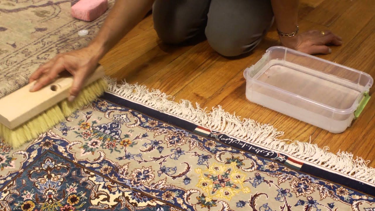how to keep rugs clean