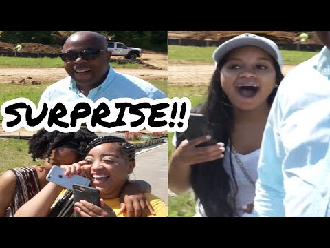 TELLING OUR FAMILY WE'RE PREGNANT!!! thumbnail