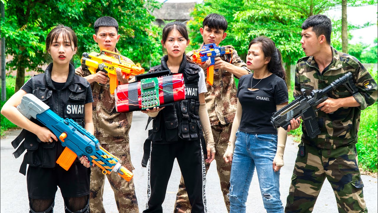 Xgirl Nerf War: Candy & Cherry Nerf Guns Criminal Group X Girl Case Bread delivery man