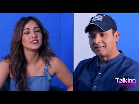 """Anees Bazmee Is A ROCKSTAR, He Is Passionate"": Neha Sharma   Mubarakan   Arjun Kapoor   Anil Kapoor"