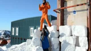 We are HAPPY from la TERRE ADELIE (Antarctique)