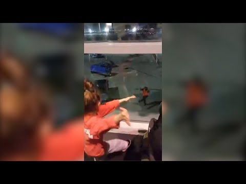 Airport Employee Starts Silly Dance-Off With Little Girls From Tarmac