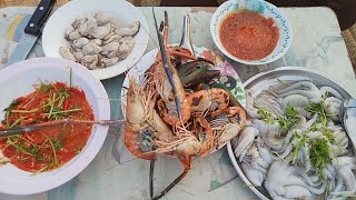 เมนูอาหารทะเล บรรยากาศท่งไฮท่งนา ซอยจุ๊หมึกสายสดๆ น้ำจิ้มรสเด็ด กับทีมงานบ่าวไทบ้าน
