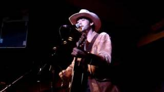 Ryan Bingham - Tell My Mother I Miss Her So (solo acoustic)