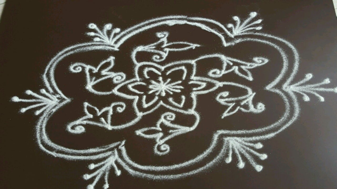 Simple flower kolam with 7 to 4 interlaced dots - YouTube