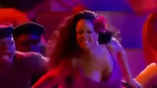Rihanna Does South African Gwara Gwara Dance At The Grammy Awards
