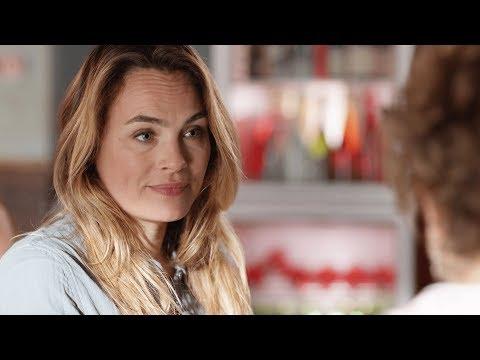 Claire essaye de convaincre Patricia de tout avouer (Ep211)