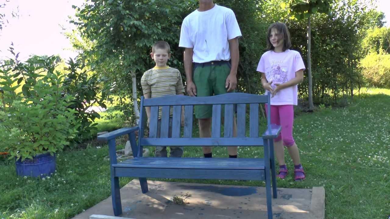 Gartenbank wird aufgemöbelt, von meinen Kindern :) - YouTube