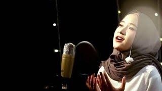 Download lagu NISSA SABYAN, LAW KANA BAINANAL HABIB