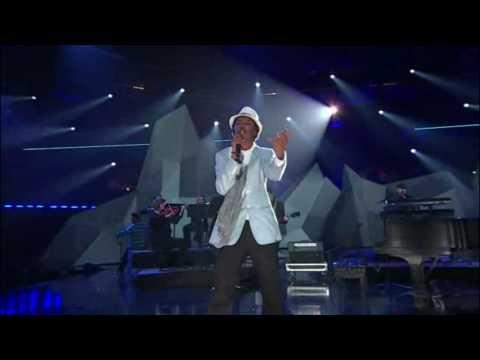 K'Naan - Wavin' Flag feat. Drake, Justin Bieber & Nikki Yanofsky 2010 Juno Awards Live 720p HD