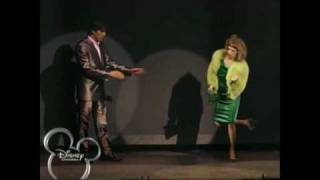 Patito Feo -la Historia Mas Bonita En El Teatro- (1/9)