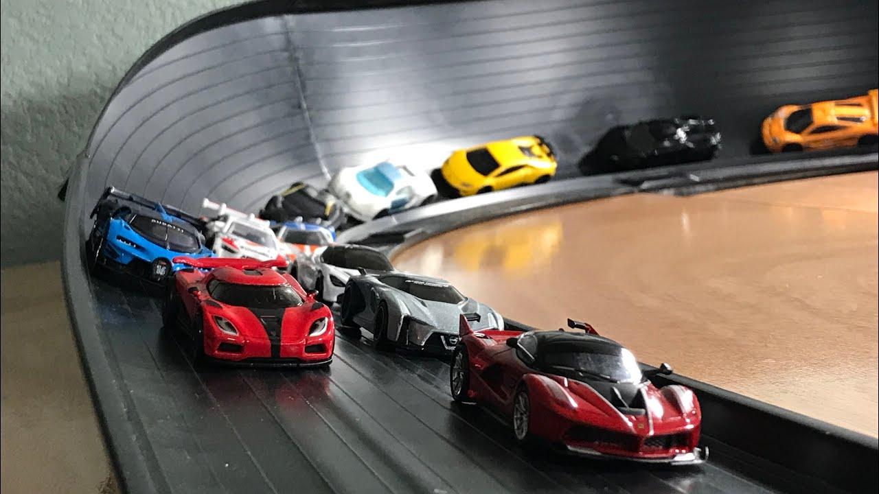 Hot Wheels Hypercar Mega Super Curve Crash Race Feat Bugatti Chiron Ferrari Fxx K And More Youtube