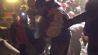 Спасатели ДВРПСО МЧС России спасли ребенка из рухнувшего дома