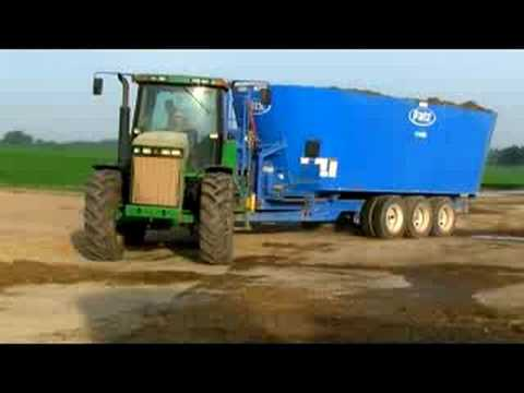 Farm Demo: The Largest Patz Feed Mixer 1400-1580 Cu/Ft Vertical TMR