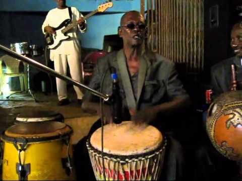 Keletigui et ses Tambourinis -  Live at La Paillote 2013 #1